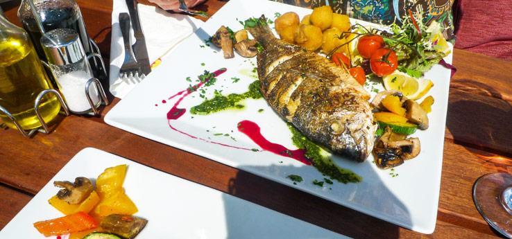 Fisch-Gericht im Restaurant