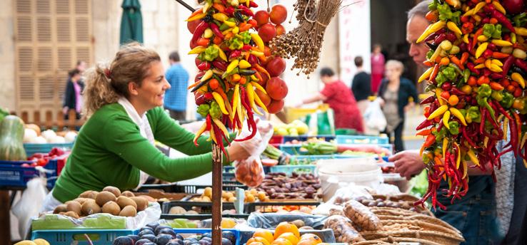 Marktfrau auf Mallorca